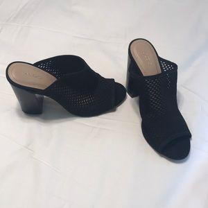 Aldo size 7.5 black mule heels
